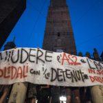 Silvia, Anna et Natascia en grève de la faim depuis un mois dans la prison de l'Aquila, Italie